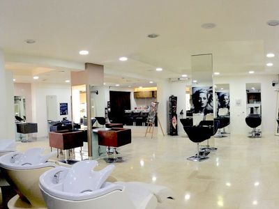 Rossi Hair Salon - 1