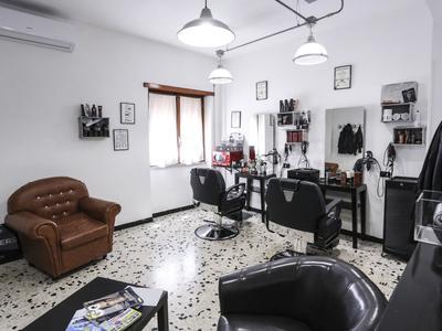 Alessio Parrucchiere Uomo Donna - 1