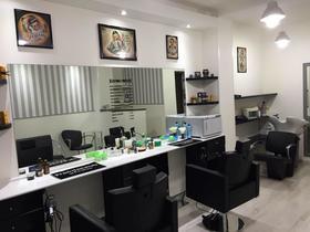 Roberto Haircut e Shaves