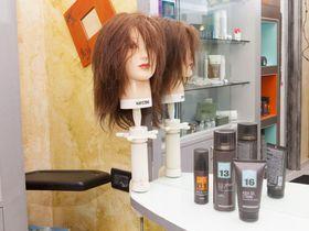 Hair Stylist Anna
