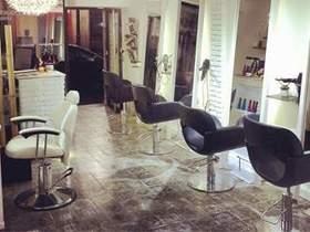 Rufau Hairdresser