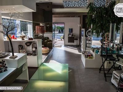 Ilias & Staff Salons - Headsouth Glyfada - 1