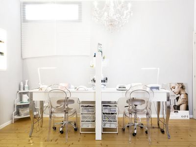 Delle Beauty Lounge - 1