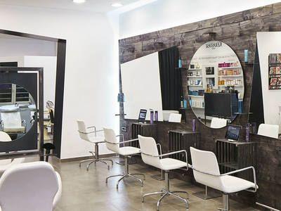 Egizia Staff Class Hair Salon - 1