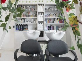 225 Corner Hairdressing