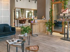 Knot Salon Aveda