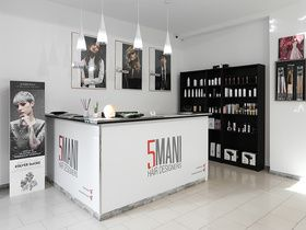 5 Mani Hair Designers