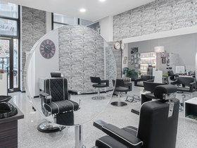 Andrew Parrucchieri e Barbershop
