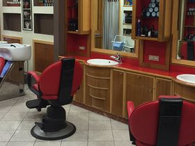 Barber Salon De Alescandris